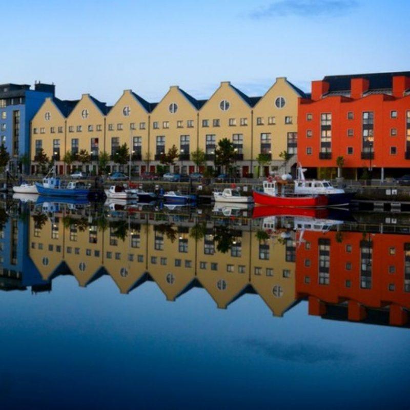 paysage de la ville de Galway en Irlande